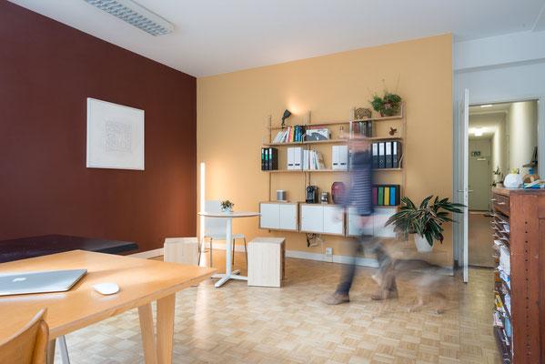 Die Farben für den Arbeitsbereich. Originalnaturpigmentfarben von le Corbusier