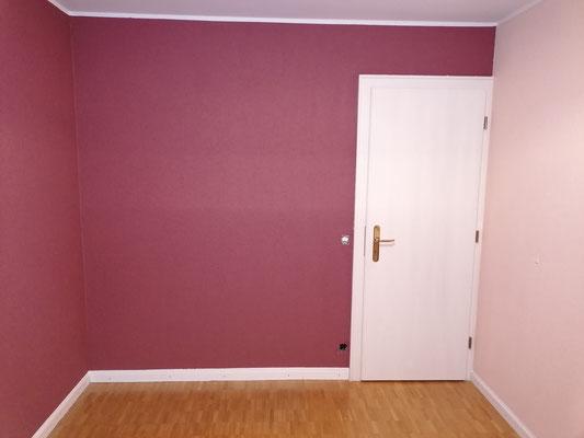 Eine harmonische Stimmung mit den beruhigenden Farben im Schlafzimmer