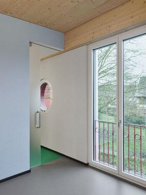 Das Bewohnerzimmer in frischen Farben