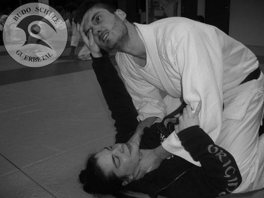 Ju-Jitsu  - Würgeabwehr