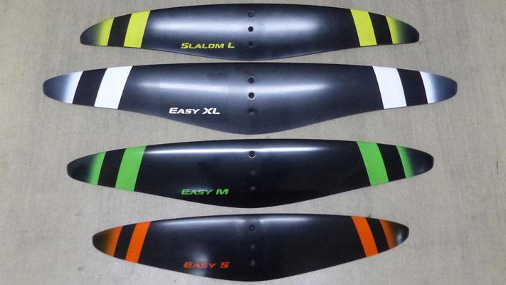 les 4 ailes du foil aeromod v2 sont : Slalom L, Easy XL, Easy M et Easy S