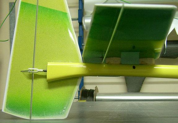 planeur Coquillaj Aeromod jaune et vert, détail du stab