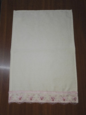 Lace towel
