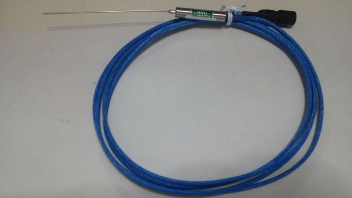 温度センサー:K 型熱電対を使用。評点比較機は±1度精度の素子を使用