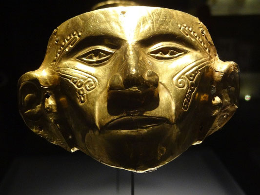 Bogota - präkolumbianische Maske im Goldmuseum