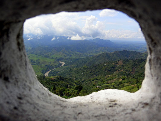 Blick auf den Rio Cauca - Zona Cafetera - Kolumbien - foto by chapoleratours
