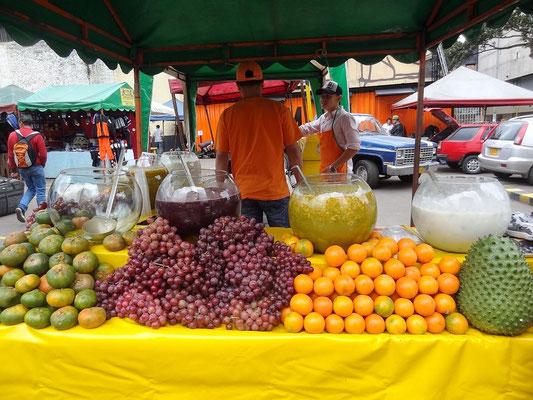 Bogota - ein typischer Obst- Stand