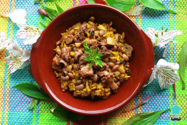 Palo a Pique - ebenfalls gemischter Reis mit Rindfleischstücken