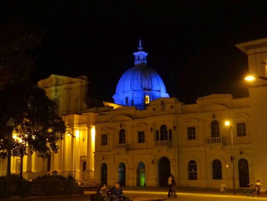 Kathedrale von Popayan bei Nacht