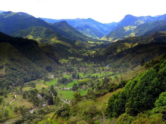 Blick von Salento ins Cocora- Tal - foto by chapoleratours