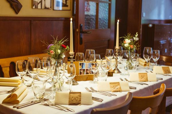 Hochzeitsfoto von Anja's und Guido's Tischdeko in der Feierlocation von Timo Erlenwein Fotografie