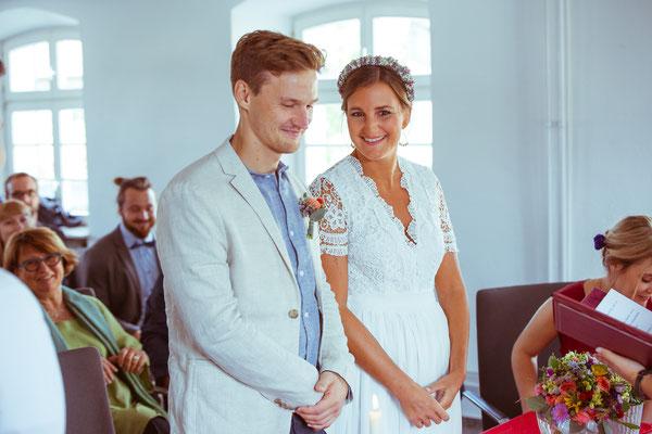 """Hochzeitsfoto von Anja und Guido im Standesamt beim """"Ja-Wort"""" von Timo Erlenwein Fotografie"""