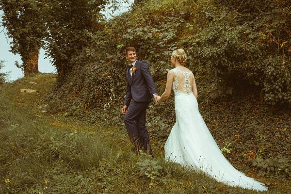 Hochzeitsbild von Susanne und Wolfgang beim Shooting am Rebberg in Köndringen von Hochzeitsfotograf Timo Erlenwein