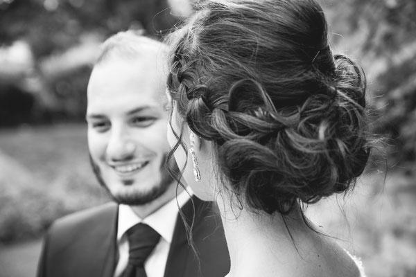 Hochzeitsfoto Alena und Salvatore Hochzeitsschmuck fotografiert von Timo Erlenwein Fotografie