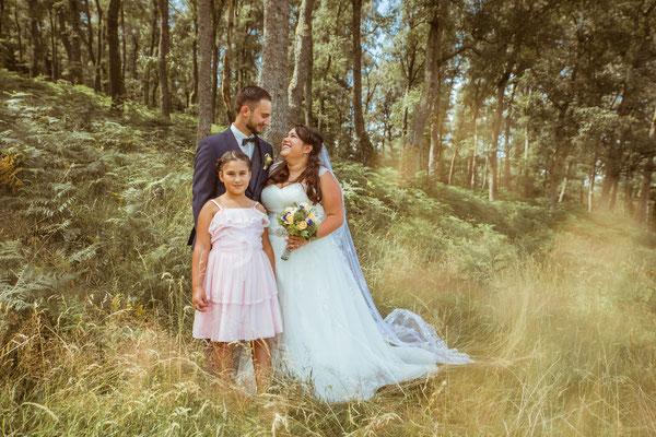 Hochzeit Valerie Simon Shootingbild mit Tochter fotografiert von Timo Erlenwein Hochzeitsfotograf