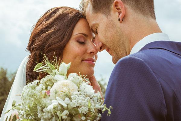 Hochzeitsbild Verena und Daniel gefühlvoll beim Hochzeitsshooting fotografiert von Timo Erlenwein Fotografie