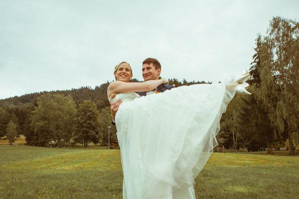 Hochzeitsbild von Susanne und Wolfgang beim Shooting in Elzach von Hochzeitsfotograf Timo Erlenwein