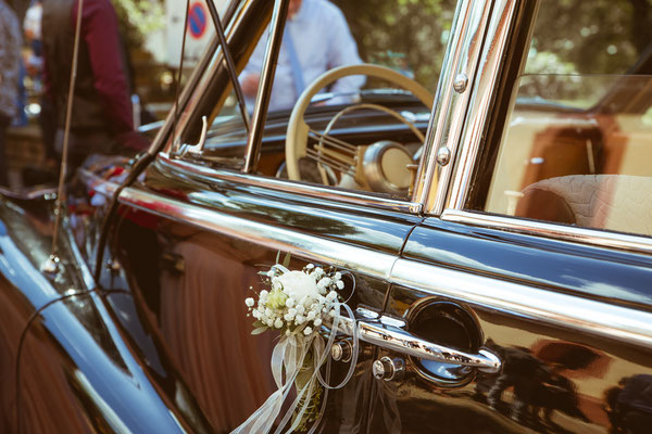 Hochzeit Kerstin und Georg Hochzeitsauto fotografiert von Timo Erlenwein Fotografie