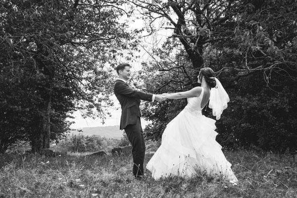 Hochzeitsfoto von Verena und Daniel Karussell beim Hochzeitsshooting fotografiert von Timo Erlenwein Fotografie