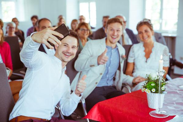 Hochzeitsfoto von Anja und Guido im Standesamt von Timo Erlenwein Fotografie