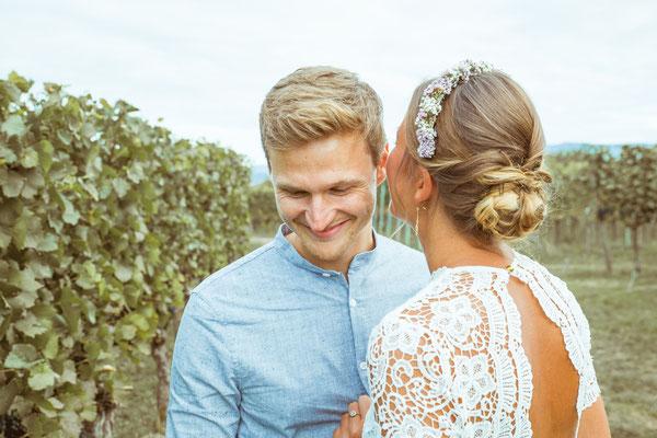 Hochzeitsfoto von Anja und Guido beim Shooting in den Reben von Timo Erlenwein Fotografie