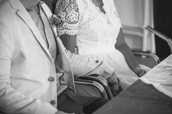 Hochzeitsfoto in Schwarz-Weiß von Anja und Guido im Standesamt von Timo Erlenwein Fotografie