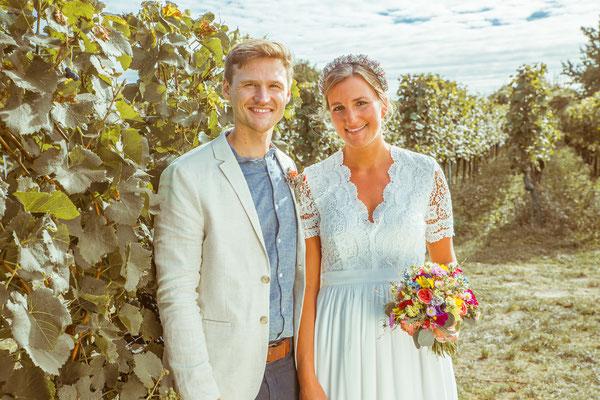 Hochzeitsportrait von Anja und Guido in den Reben von Timo Erlenwein Fotografie