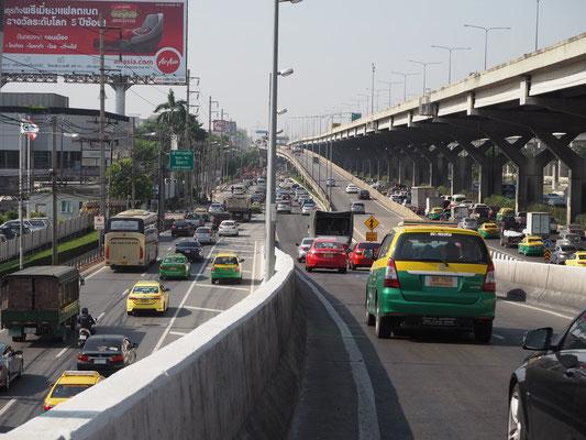 Rein nach Bangkok