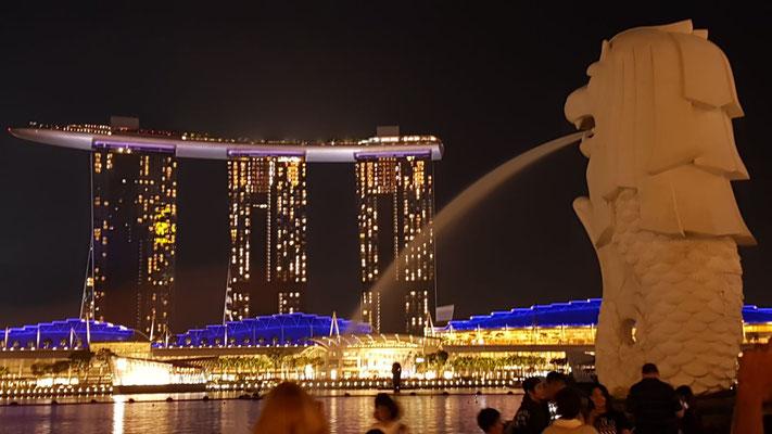 Wahrzeichen von Singapur (Merlion und Marina Bay Sands)