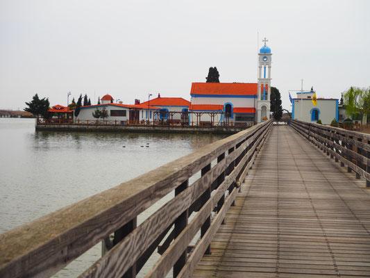 Kirche bei Puerto Lagos