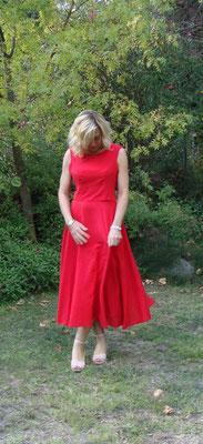 Robe rouge des années 50