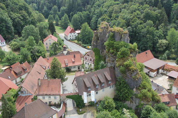 Blick vom Fahnenstein nach Tüchersfeld