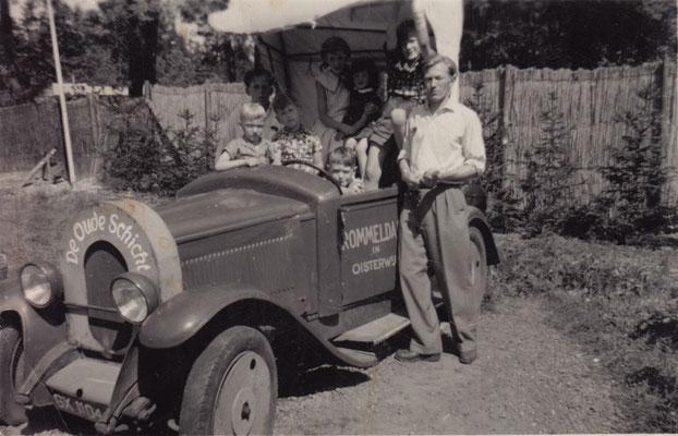 Rommeldam, gesticht op 29 juni 1955 zou 4 jaren bestaan. Het trok in het begin veel kijkers, maar toch te weinig om te overleven. Hier met Bertus Vermeulen