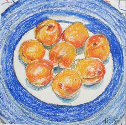 Abrikozen op het blauwe bord    2015