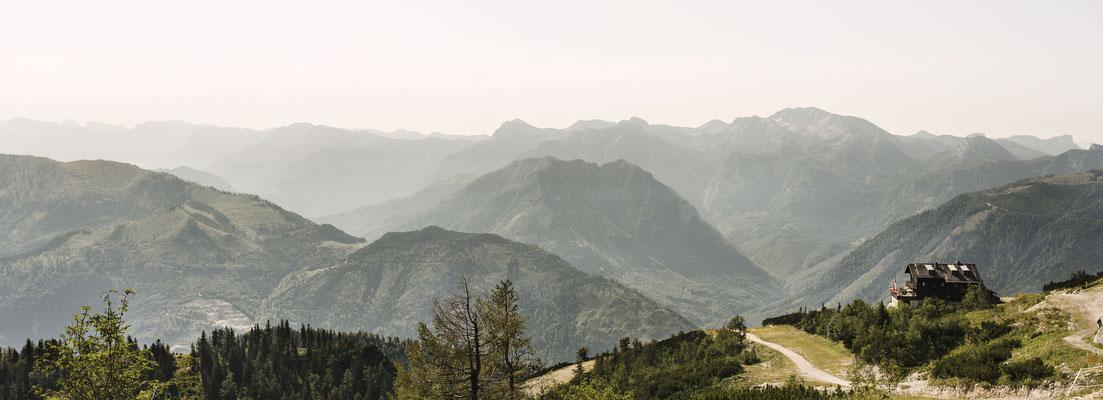 Kranabethhütte mit Panoramasicht (c) Christof Wagner