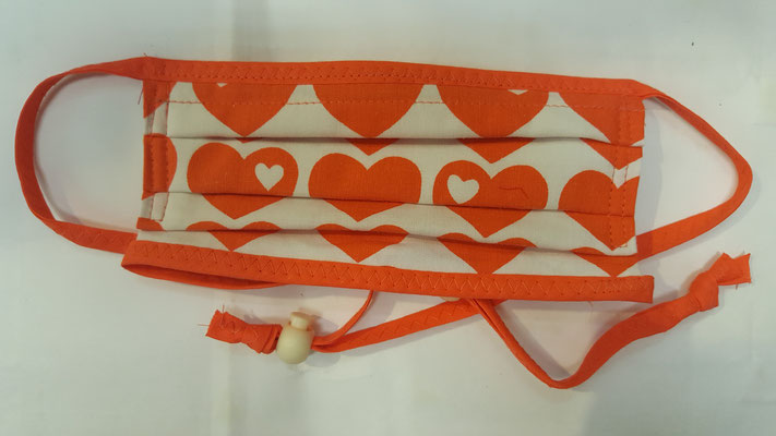Maske: Motiv, Orange Herzen