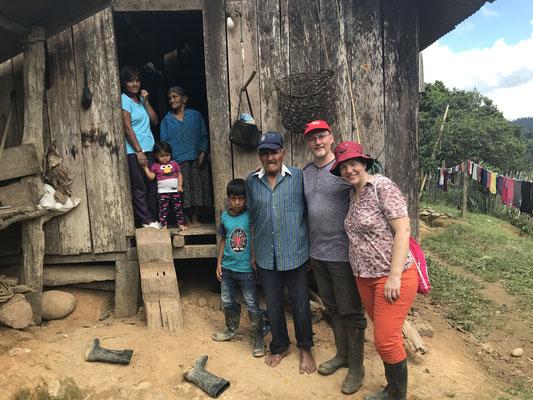 Familie Jose und Cenovia Cantincus mit Anhang