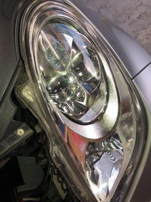 リペア前の左ヘッドライト