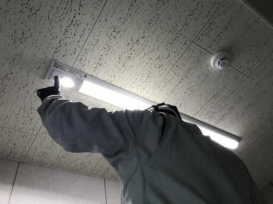 非常照明交換工事 点灯試験 電気設備・消防設備工事会社 新潟市のエフ・ピーアイ