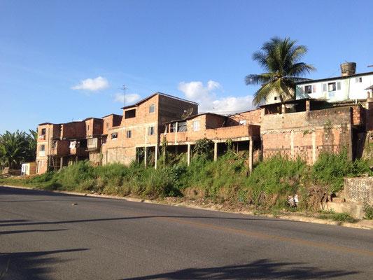 Camaragibe besitzt auch Favelas - im Vergleich zu Recife sind diese jedoch eher noch stabiler gebaut