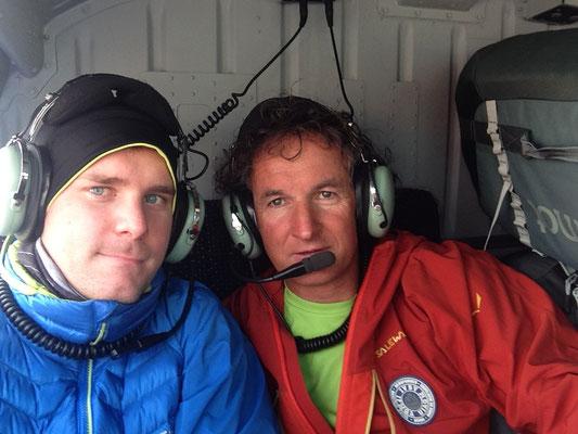 Mit Manfred und Vollgepackt mit Expeditionsmaterial im Hubschrauber auf dem Weg nach Syanboche
