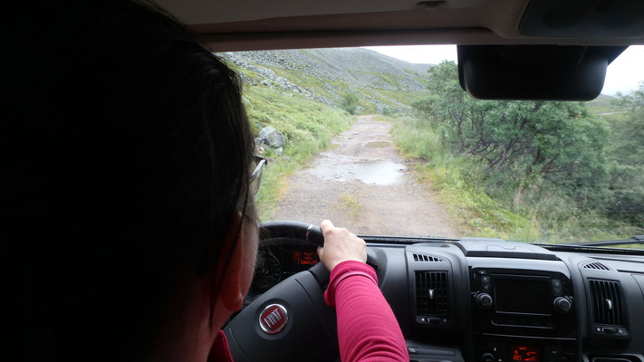 Bild: Rückfahrt durch Pfützen nach Vardø