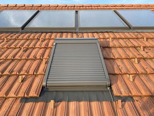 Aussenrolladen zu Dachfenster in Röthenbach - Hosner Holzbau GmbH Röthenbach