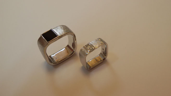 Eckige Ringe mit Onyx und Diamant