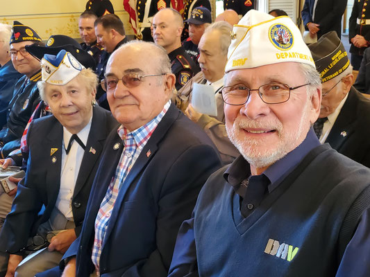 Cisco, Linda, Ginny Hanson with Wally Coelho, DAV, VFW.