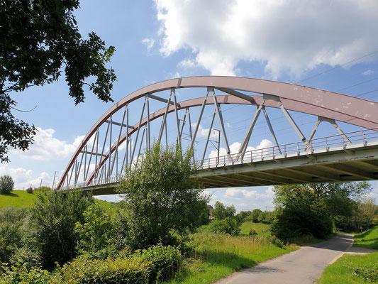 Die Brücke über die Mulde an Prestert