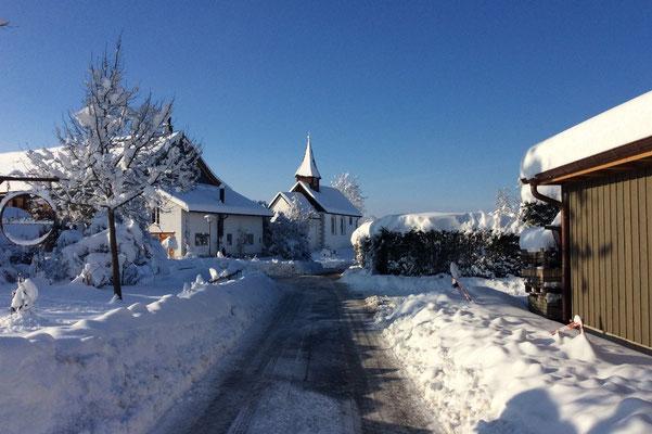 16.01.2021 Blick auf Kapelle St. Michael -  View towards St. Michael Chapel, Oetlishausen