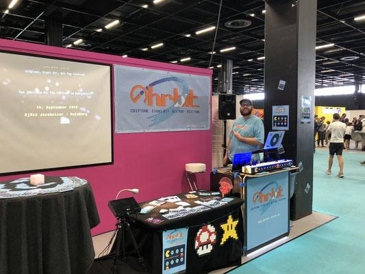 In Sonderfolge #12 des Männerquatsch Podcast berichten wir aus der Retro Area von der Gamescom 2019 und sprechen u.a mit Ohrbit – Chiptune Festival.