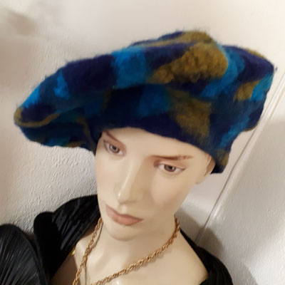 Artisan hat, handmade felt, unique piece, €180