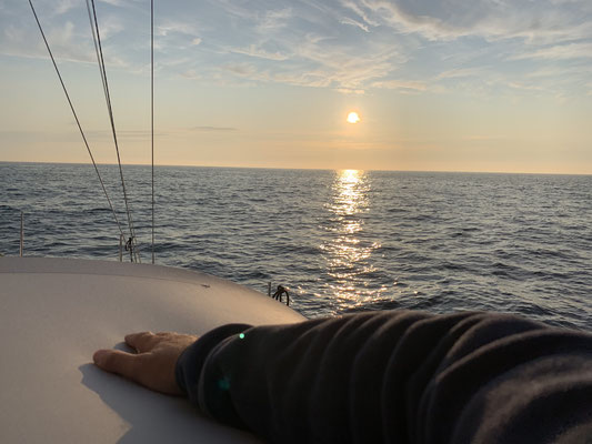 ... und wieder ein toller Sonnenuntergang auf dem Meer vor Roscoff ..